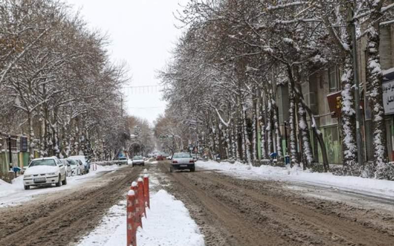 جاده های ۲۶ استان برفی و بارانی است