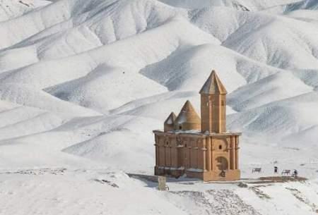 نمایی از کلیسا سهرقه در دل برف/عکس