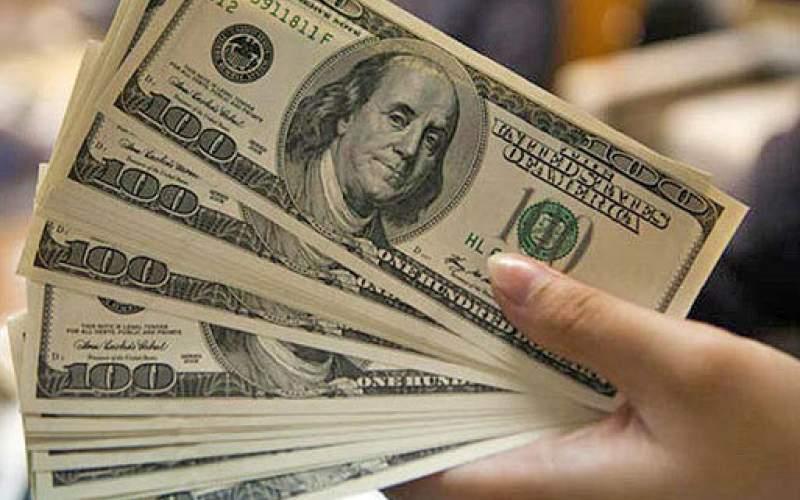 دلار ۱۱ هزار تومانی نشدنی است