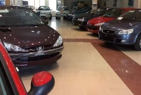 در بازار خودرو همه فروشندهاند اما خریدار نیست