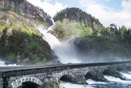 """تصاویری ازعجیبترین و زیباترین پلهای دنیا  <img src=""""https://cdn.baharnews.ir/images/picture_icon.gif"""" width=""""16"""" height=""""13"""" border=""""0"""" align=""""top"""">"""