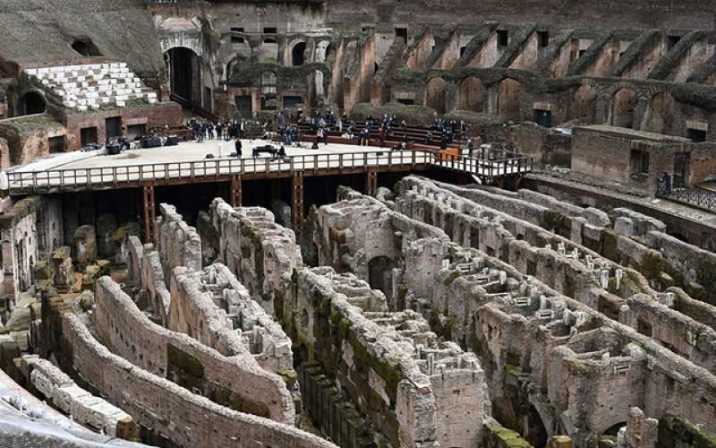 بازگشتبازدیدکنندگانبه تماشاخانهتاریخی ایتالیا