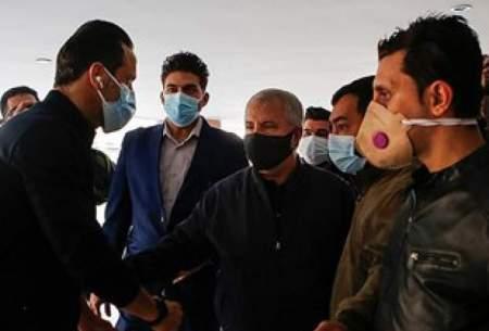 حضور طرفداران انصاریان اطراف بیمارستان/تصاویر