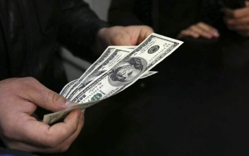 ۴ عامل موثر بر قیمت دلار در سال ۱۴۰۰