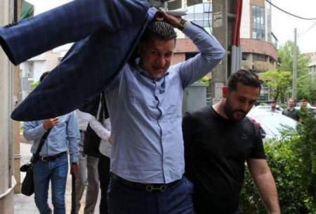 علی دایی منتظر اولین پرواز برای خروج از ایران