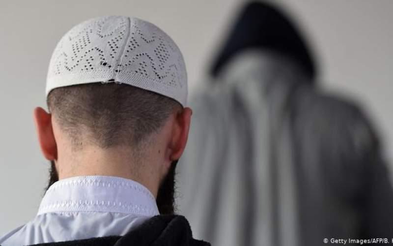 قانونی برای تطابق مسلمانان با ارزشهای بنیادین