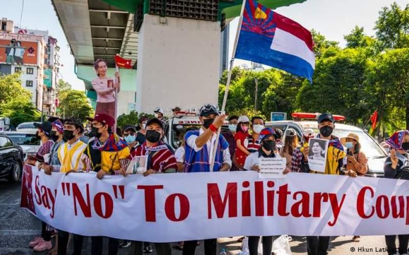 مردم میانمار نفس كودتاگران را بریدهاند