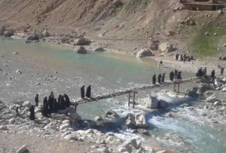 تنها پل روستای «آبمورد» را آب برد!/تصاویر
