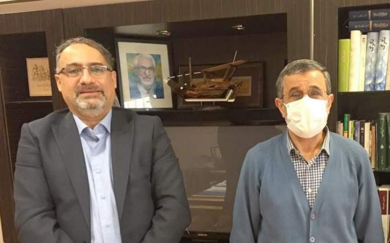 دیدار دبیر همایش «آیین ملی تجلیل از فعالان نمونه بازار مسکن» با احمدینژاد