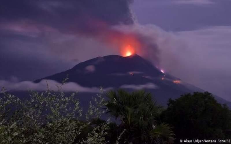 """فوران آتشفشان """"اتنا"""" در نزدیکی مناطق مسکونی"""