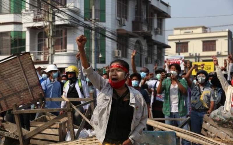 میانمار مانند میدان جنگ شده است