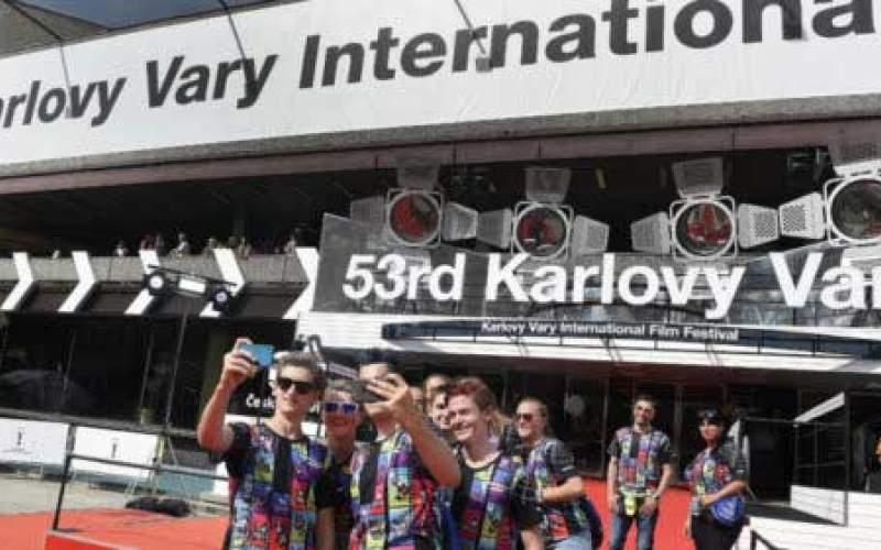 جشنواره «کارلووی واری» به تعویق افتاد
