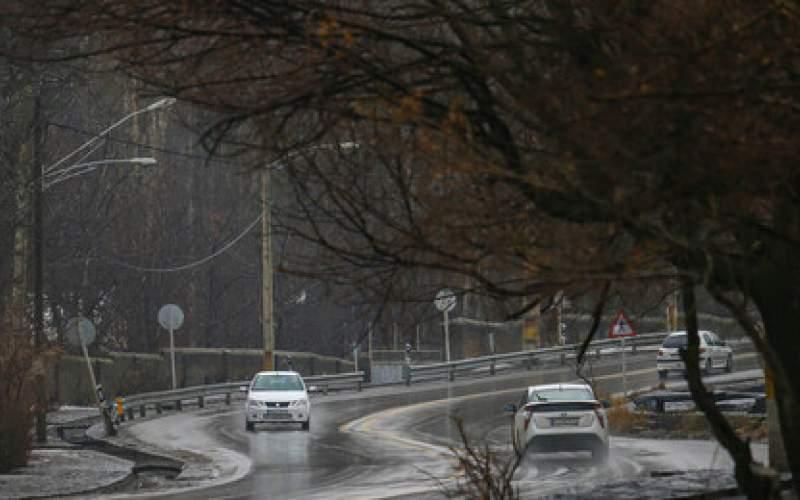 برف و باران در جادههای ۲۰ استان کشور