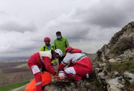 نجات نوجوان ۱۸ساله از یخ زدن در ارتفاعات نقده