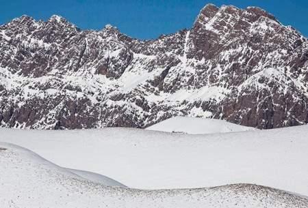 "بارش برف در ارتفاعات الیگودرز  <img src=""https://cdn.baharnews.ir/images/picture_icon.gif"" width=""16"" height=""13"" border=""0"" align=""top"">"