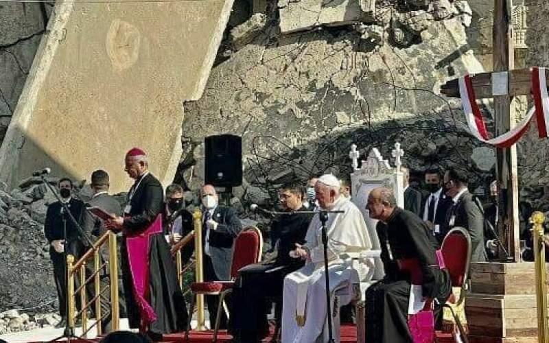 پاپ به خرابههای موصل رفت /عکس