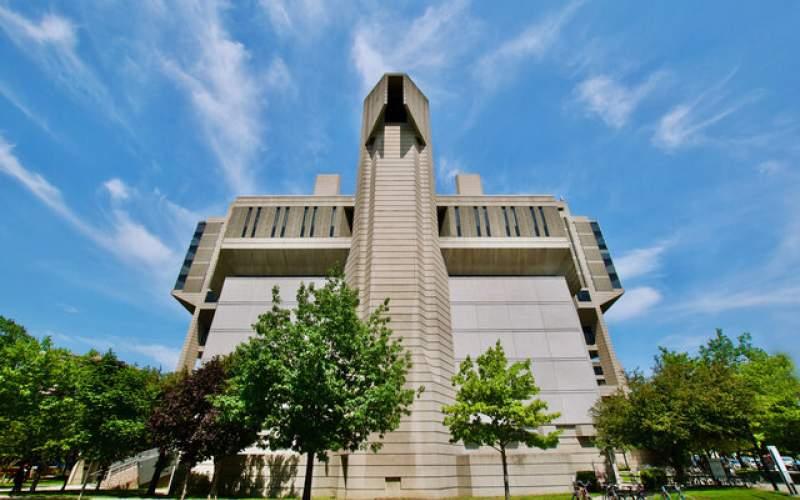 """دانشگاه """"تورنتو""""، یکهتاز دانشگاههای کانادا!"""