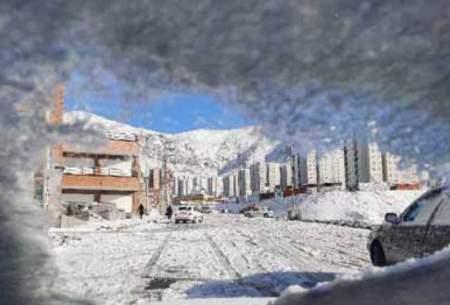 گرفتار شدن خودروها در برف پردیس/تصاویر
