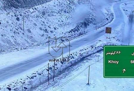 برف سنگین در محورهای مواصلاتی خوی و چالدران
