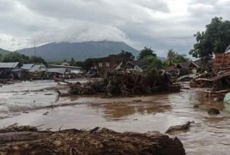 سیل و رانش زمین در اندونزی ۵۵ قربانی گرفت