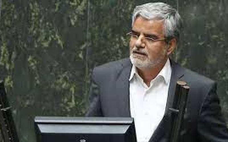 شمخانی، محمود صادقی را تهدید به شکایت کرد