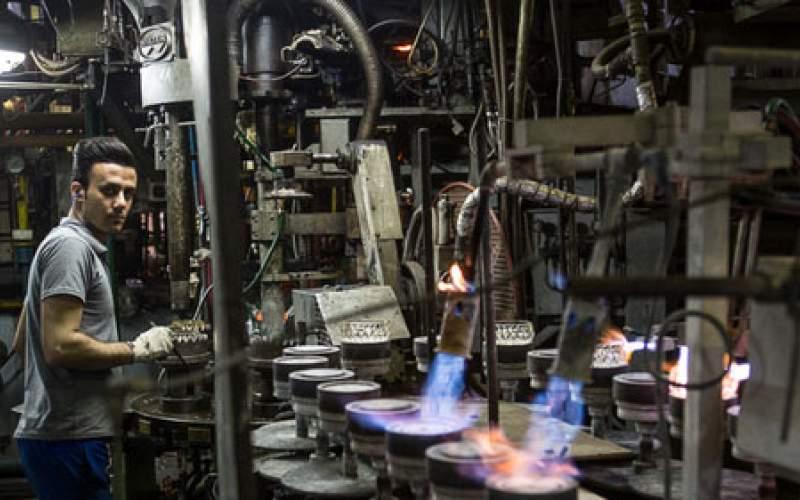 کارگران به فلک سیاستهای صنایع رانتی بسته شدند