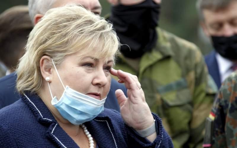 نخست وزیر نروژ جریمه شد و به مامور سیلی نزد!