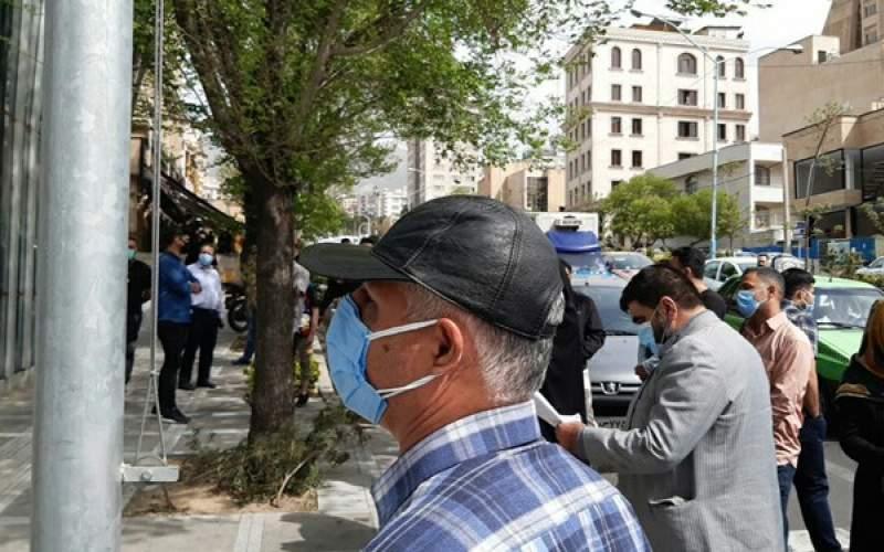 تجمع سهامداران مقابل بورس تهران/فیلم