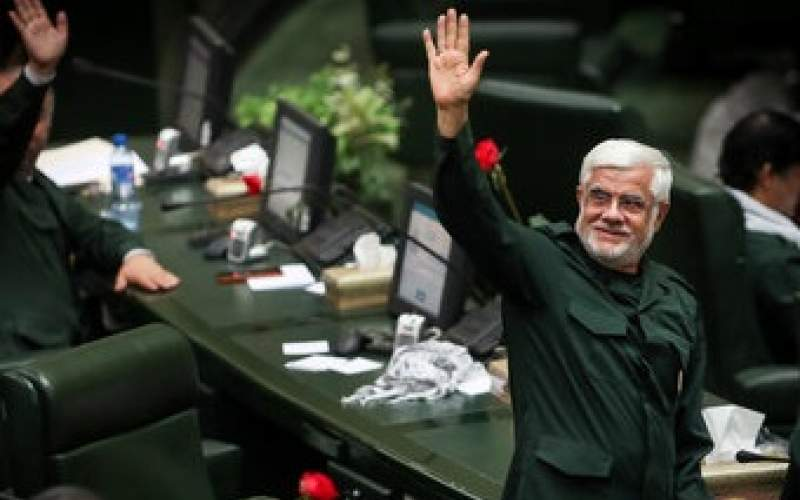 حسن بیادی: محمدرضا عارف «اصولگرا» است