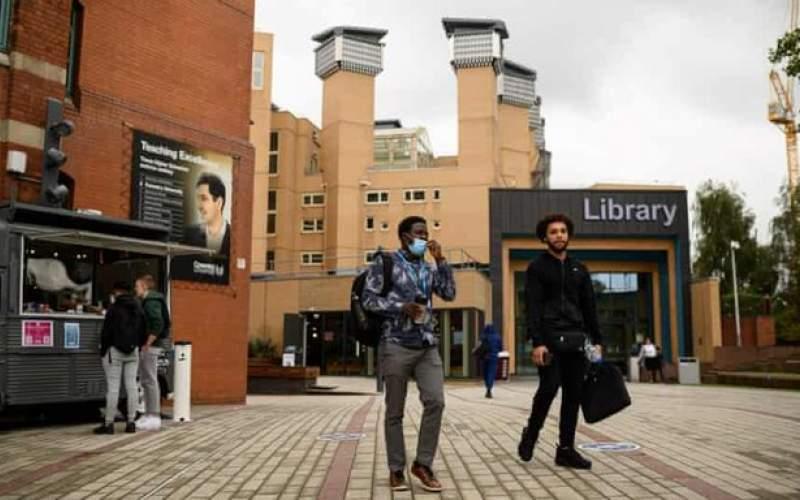 دانشجویان انگلیسی به دانشگاهها بازمیگردند