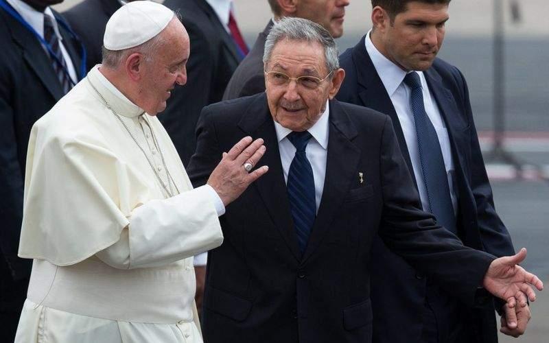 كناره گیری کاسترو از دبیری حزب کمونیست کوبا