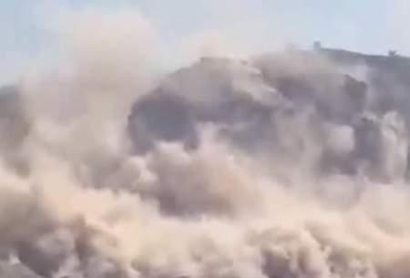 ریزش کوههای اطراف گناوه بوشهر بر اثر زلزله