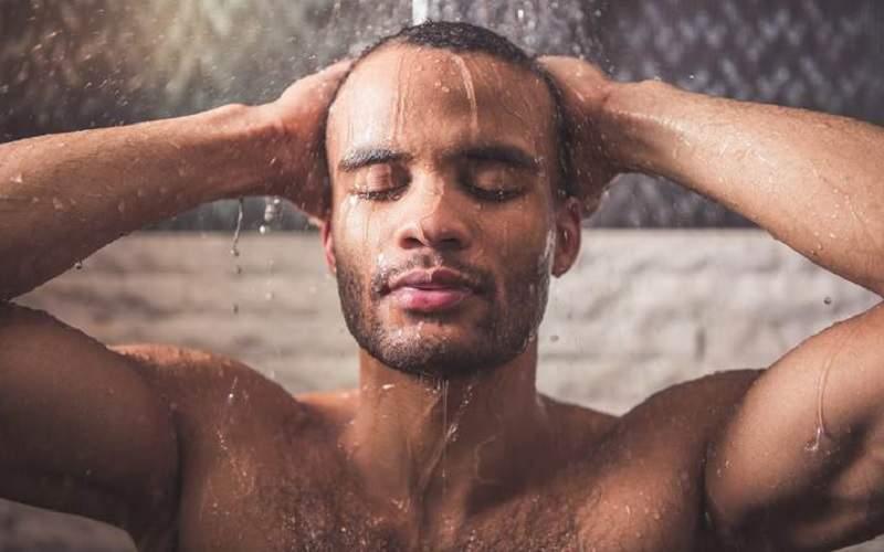 ۷ خاصیت دوش آب سرد برای جسم و روح