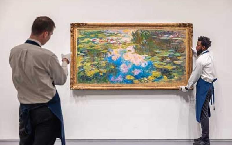 حراج یکی از تابلوهای «گلهای نیلوفر آبی»
