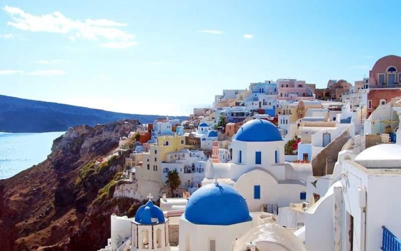یونان محدودیتهای گردشگری را کم میکند