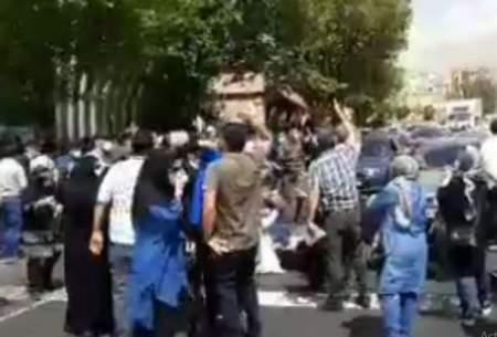 شعار مرگ برروحانی درتجمع مقابل سازمان بورس