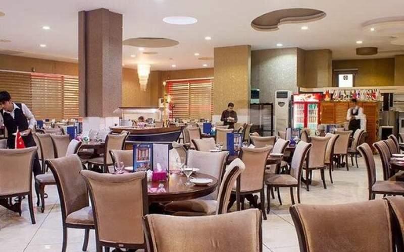 تعدیل ۳۰ درصد نیروی کار شاغل در رستوران ها