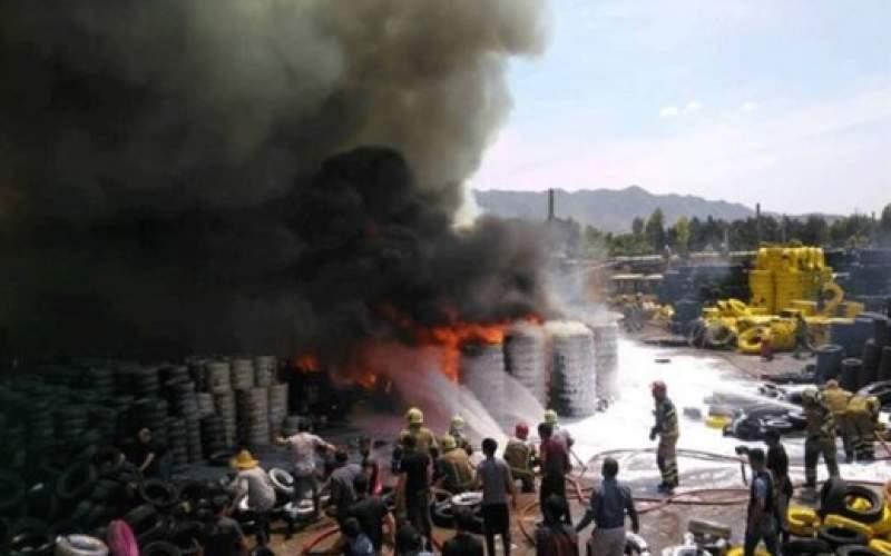 آتش سوزی بارانداز بزرگ لاستیک در مشیریه