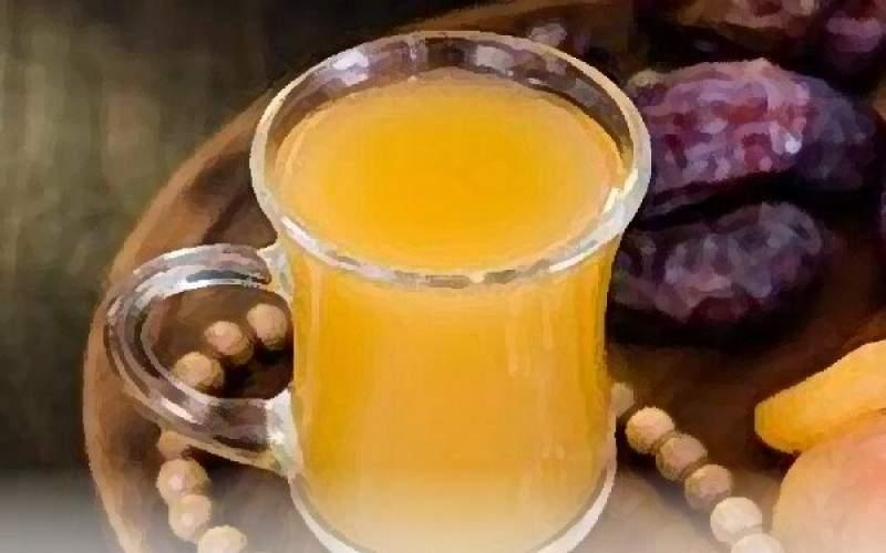 نوشیدن حداقل ۸ لیوان مایعات از افطار تا سحر