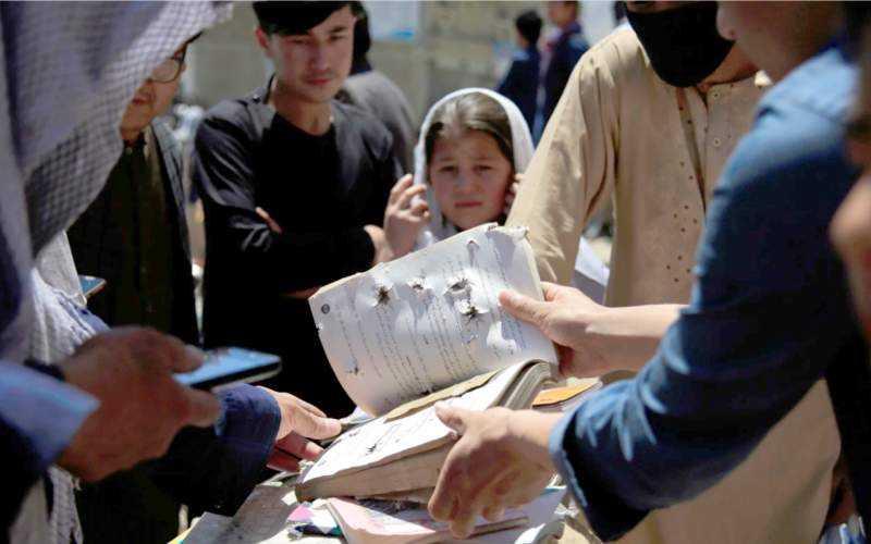 بیشتر کشتهشدگان بمبگذاری اخیر در افغانستان دانشآموزان بین ۱۱ تا ۱۵ سال بودند