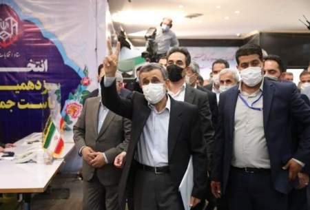 زیباکلام: رأی احمدینژاد بیشتر از رئیسی است