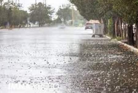 بارش باران در محورهای ۸ استان کشور