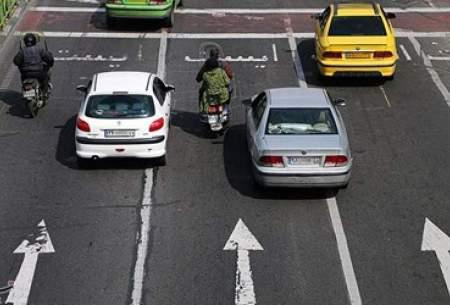 چرا ایرانیها بین خطوط رانندگی نمیكنند؟