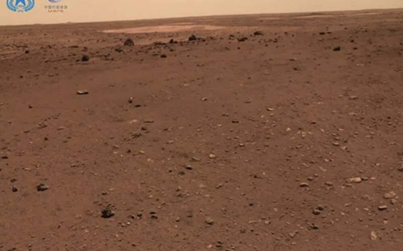 کاوشگر چینی روی مریخ سلفی گرفت/تصاویر