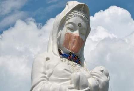 مجسمه غول پیکر بودا ماسک زد/فیلم