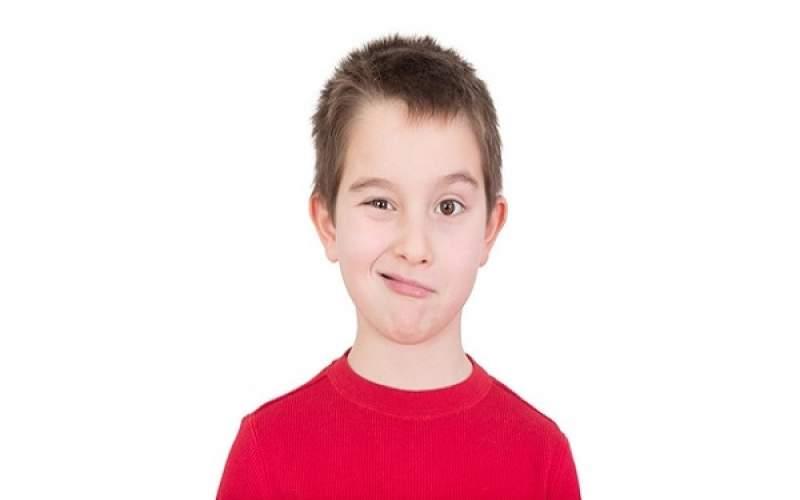 علت تیک عصبی کودکان چیست؟