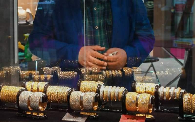 قیمت طلا تحت تاثیر نوسان انس جهانی