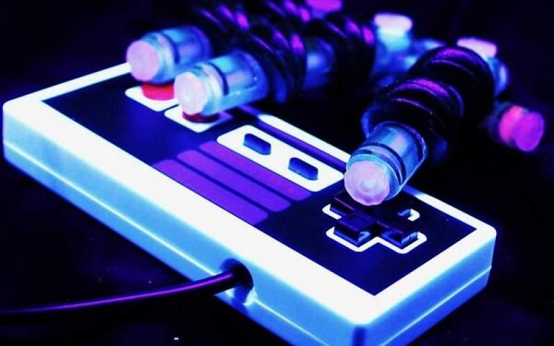 دست رباتیکی که بازی ویدئویی انجام میدهد