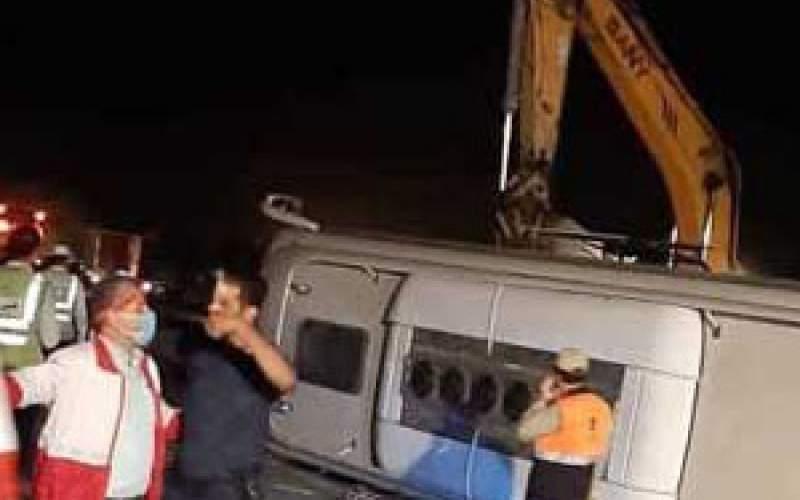 تصویری از واژگونی اتوبوس در جاده هراز