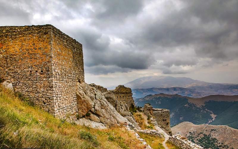 قلعه بابک خرمدین؛ استوار بر فراز کوه